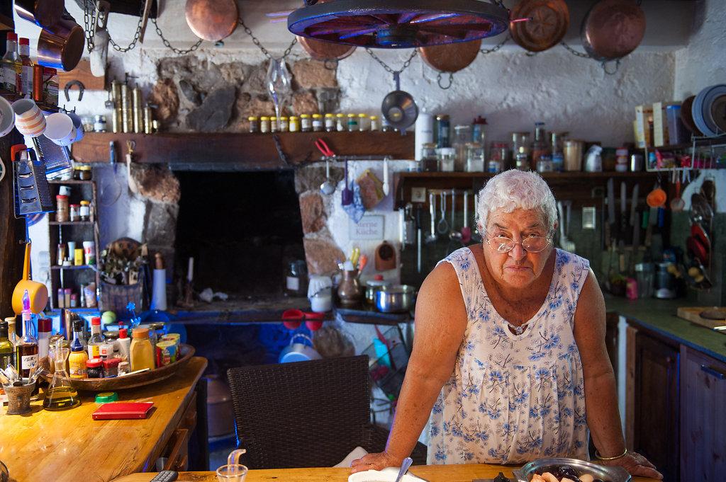 greece_farmersmarket_stylidia_autumnazure-8